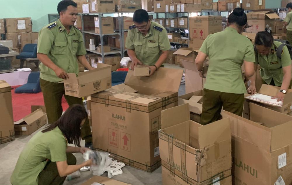 Hàng nghìn thiết bị điện tử nhập lậu tại kho hàng Công ty MIMISO VIỆT NAM