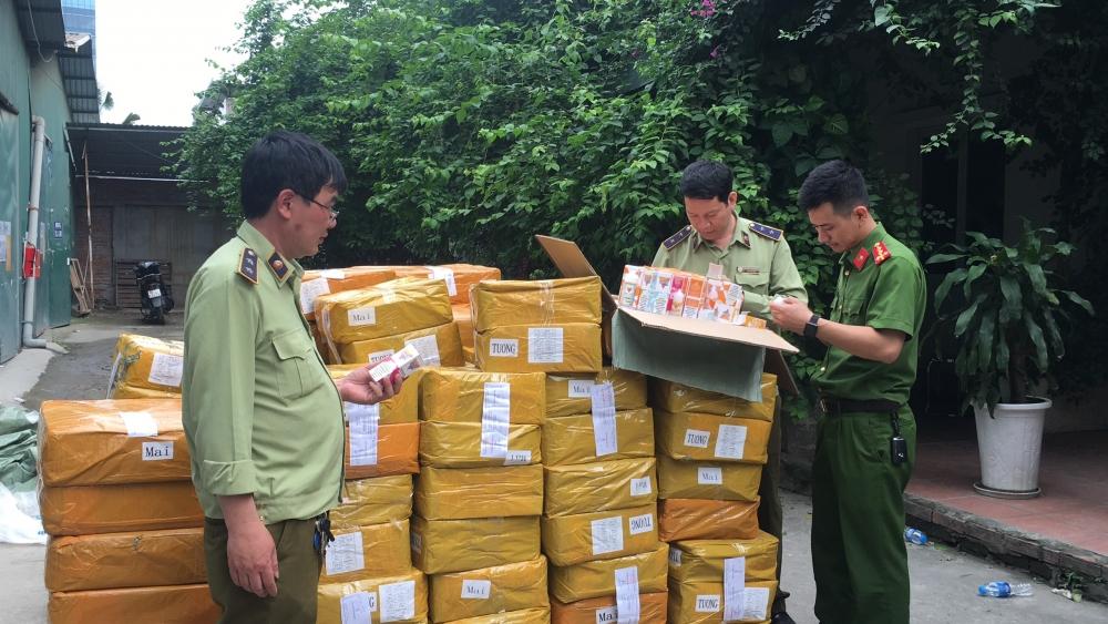 Bắt lô tinh dầu thuốc lá điện tử lớn nhất từ trước đến nay tại Hà Nội
