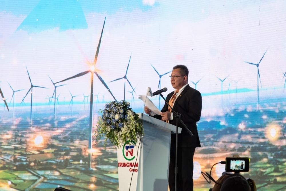 Việt Nam có tổ hợp nhà máy điện gió và điện mặt trời lớn nhất Đông Nam Á