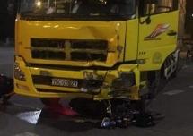 Thừa Thiên Huế:  Xe máy va chạm xe tải 2 người tử vong tại chỗ
