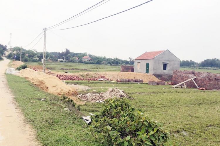 Quảng Ninh: Xử lý việc lấn chiếm đất đai, xây dựng trái phép ở xã Vĩnh Trung