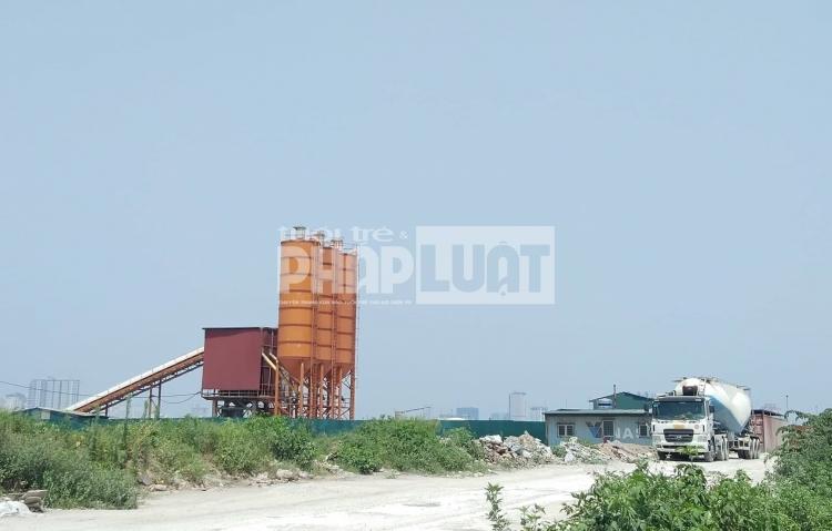 Huyện Thanh Trì: Loạt trạm trộn bê tông hoạt động miễn phép hay trái phép?