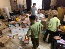 Hà Nội: Cửa hàng bán hàng nghìn sản phẩm mỹ phẩm nghi nhập lậu