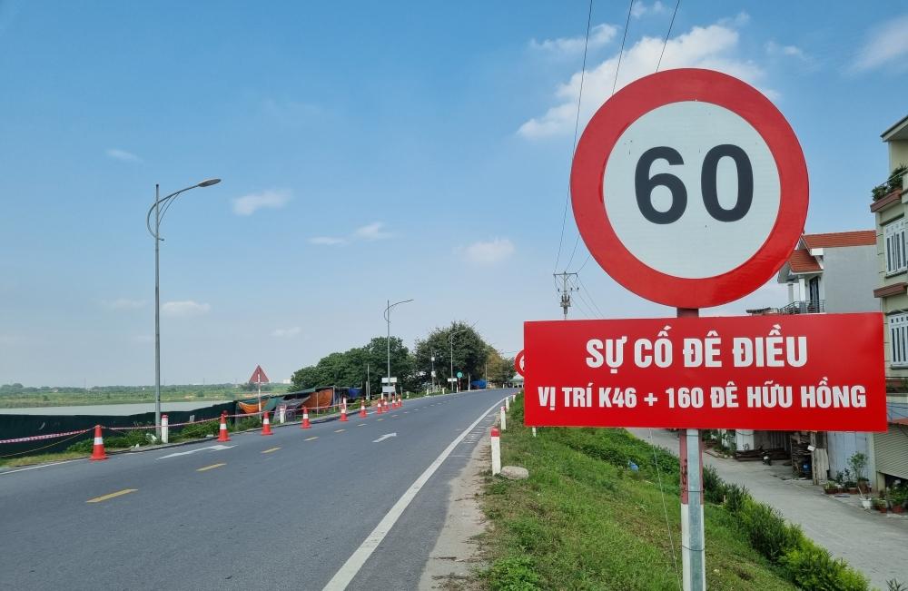 Hà Nội: Tuyến đê hữu Hồng vừa mất 300 tỷ đồng nâng cấp đã xuất hiện nứt gãy