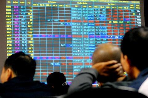 """Nhiều """"sếp"""" doanh nghiệp vi phạm giao dịch cổ phiếu"""