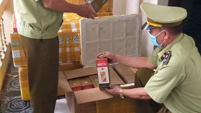 Tịch thu hơn 400 chai rượu Mao Đài - Trung Quốc nhập lậu
