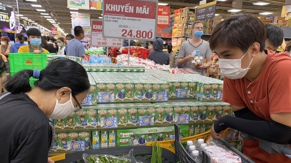 Khuyến cáo người dân ở TP HCM không đổ xô đi mua hàng tích trữ