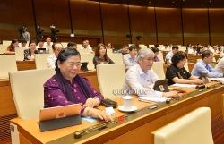 Quốc hội đồng ý cho Hà Nội tự quyết tăng phí, lệ phí
