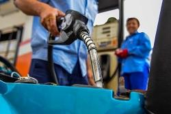 Giá xăng tăng gần 900 đồng/lít từ 15h chiều nay