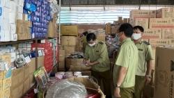 Phát hiện kho hàng gia dụng vi phạm của Công ty Nguyên Nhật