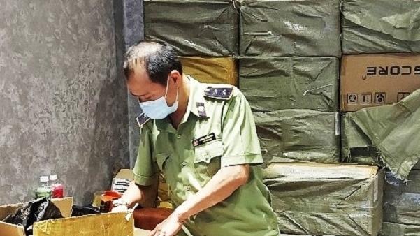 Hà Nội: Tạm giữ hàng chục nghìn sản phẩm thuốc lá điện tử trị giá trên 4 tỷ đồng