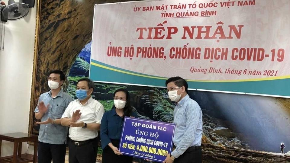 FLC tiếp tục ủng hộ 4 tỷ đồng tiền mặt giúp Quảng Bình chống Covid-19