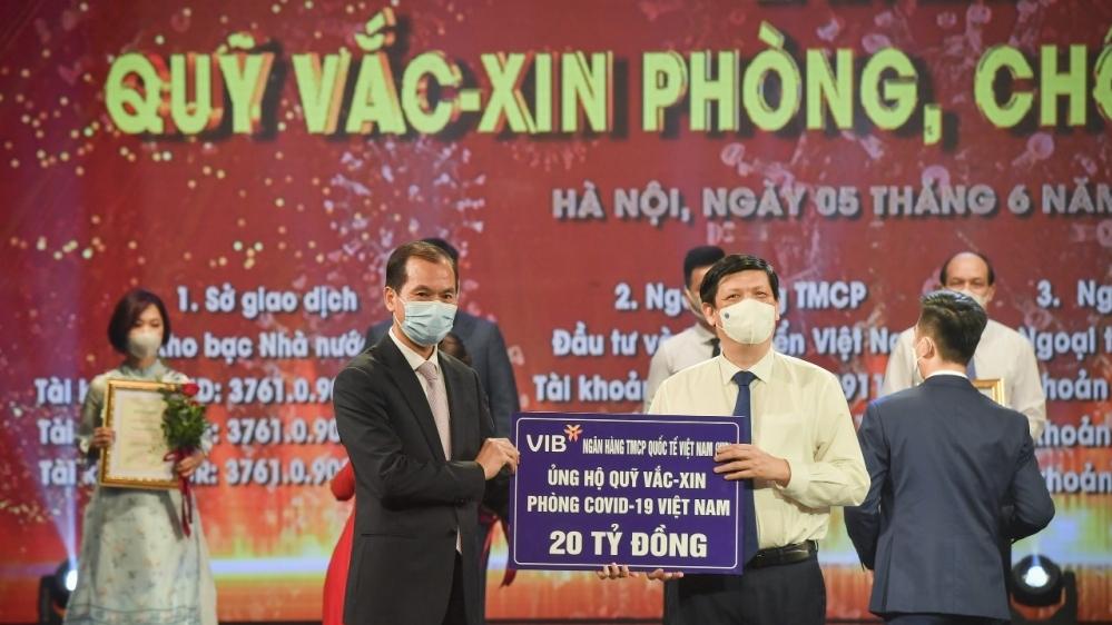 Ngân hàng VIB đóng góp 20 tỷ đồng vào Quỹ vắc xin phòng Covid-19