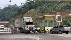 """Đề xuất cấp """"hộ chiếu vắc xin"""" cho lái xe chở nông sản qua biên giới Việt Nam - Trung Quốc"""