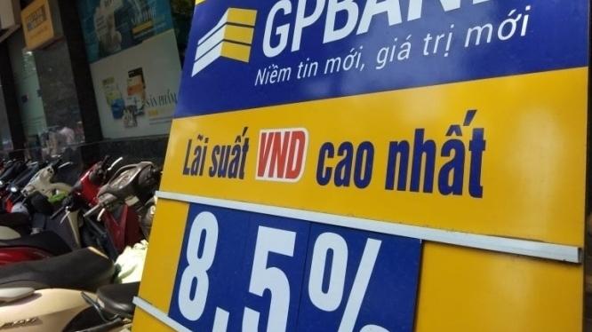 Đề xuất hạ dần lãi suất tiền gửi VND về mức 0%