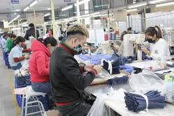 """Ngành dệt may chuyển mô hình sản xuất để tìm """"cửa sống"""""""