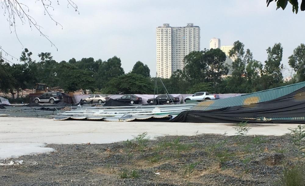 Huyện Thanh Trì: Cưỡng chế chợ xe ô tô, sân bóng xây dựng trên đất nông nghiệp
