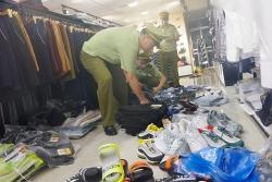 """Hàng nghìn sản phẩm nhập lậu, """"nhái"""" hàng hiệu ở Quảng Ninh"""