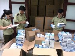 Gần 1 triệu chiếc khẩu trang không hóa đơn bị thu giữ tại Quảng Bình
