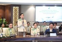 """Tỷ phú Trịnh Văn Quyết """"khoe"""" dàn trai tài gái sắc của Bamboo Airways"""