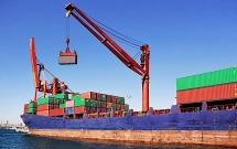Việt Nam xuất siêu 5,57 tỷ USD