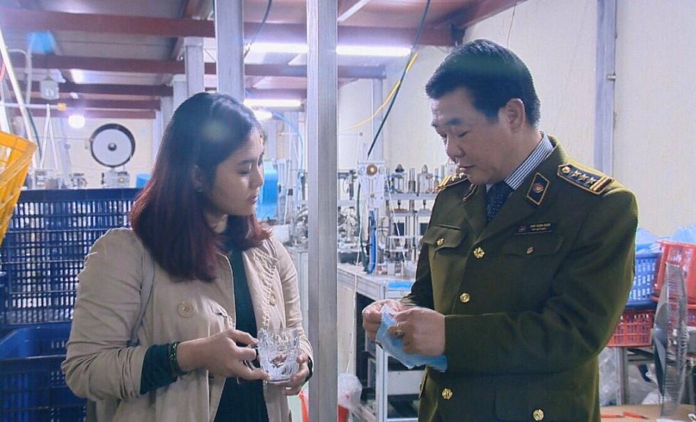 Hà Nội: Mỗi ngày thu hơn 10 tỷ đồng từ chống buôn lậu, gian lận thương mại