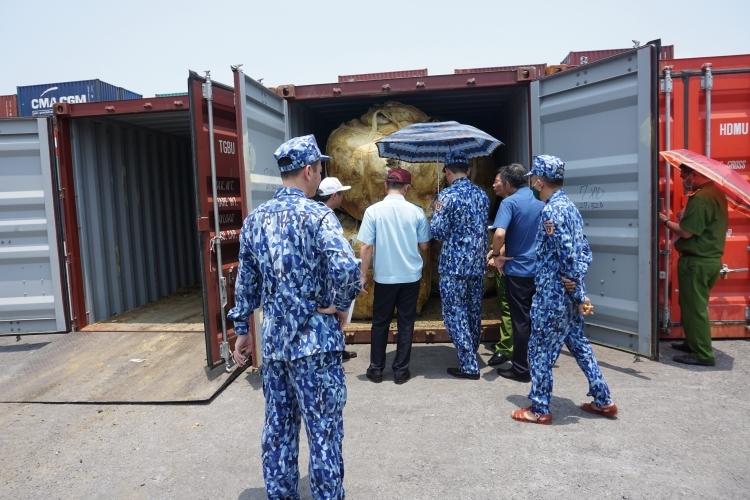 Mỗi tháng Việt Nam xuất khẩu 259 nghìn tấn quặng ra nước ngoài