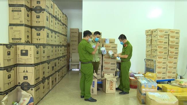 Hàng nghìn hộp sữa Hàn Quốc nghi nhập lậu bị phát hiện ở Hà Nội