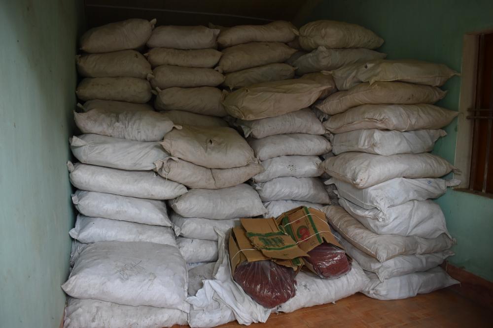 Nhập lậu hơn 13 tấn nguyên liệu thuốc đông y từ Trung Quốc