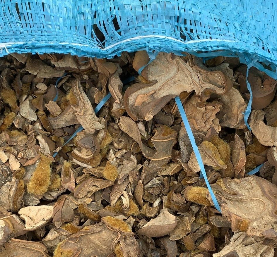 Bắt hàng chục tấn nghi dược liệu và gần nửa triệu bao thuốc lá ngoại tại Quảng Ninh