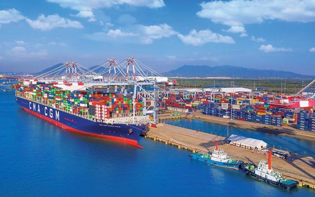 Việt Nam xuất siêu kỷ lục 18,72 tỷ USD