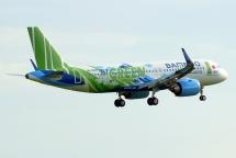 Cổ phiếu hãng bay tỷ phú Trịnh Văn Quyết được định giá 82.280 đồng