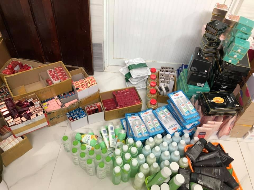 Hà Nội cao điểm chống buôn lậu, hàng giả trên chợ mạng