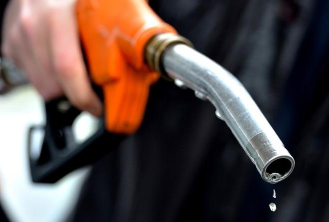 Việt Nam nhập khẩu xăng dầu từ Trung Quốc tăng đột biến