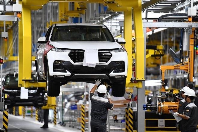 Đề xuất không gia hạn giảm 50% phí trước bạ ô tô sản xuất, lắp ráp trong nước