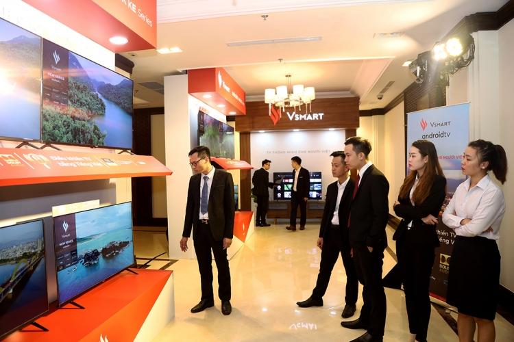 Tivi Vsmart của Vingroup giá cao nhất 16,99 triệu đồng