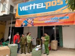 Hơn 200 đôi giầy thể thao lậu tại điểm giao nhận hàng hóa của Viettel