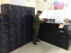 Thu giữ 360 chai rượu Chivas trị giá hơn 1 tỷ đồng nghi nhập lậu