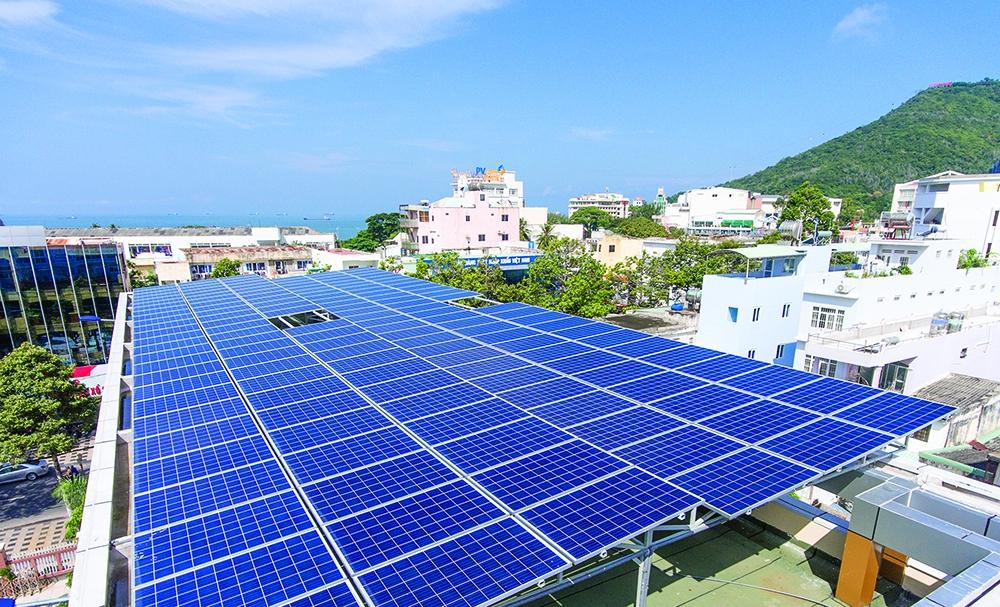 Ngưng ký hợp đồng điện mặt trời mái nhà để chờ hướng dẫn mới