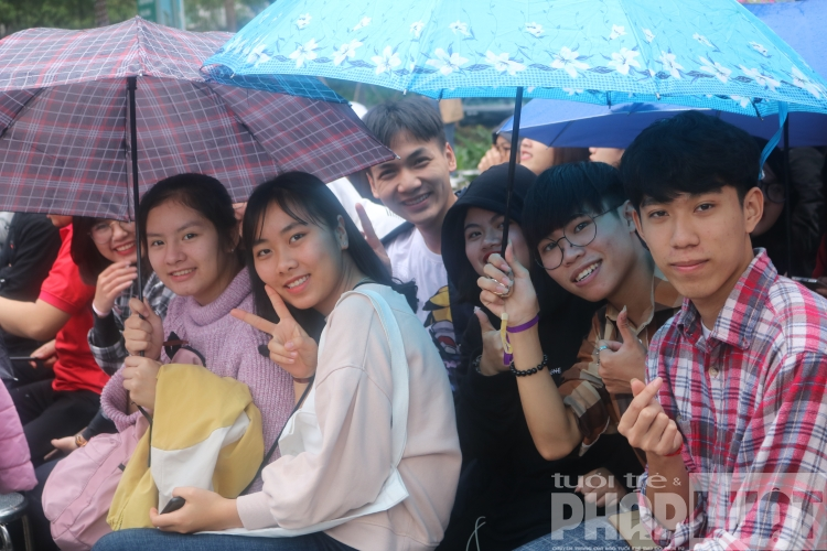 ban tre doi mua tray hoi sach va hanh dong 2019