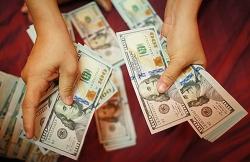 Tỷ giá ngoại tệ 1/1: Đồng USD liên tục giảm sâu