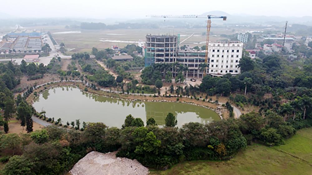 Siêu công trình với diện tích 1.404m2 tại thôn Đồi Vua, xã Sơn Đông, thị xã Sơn Tây