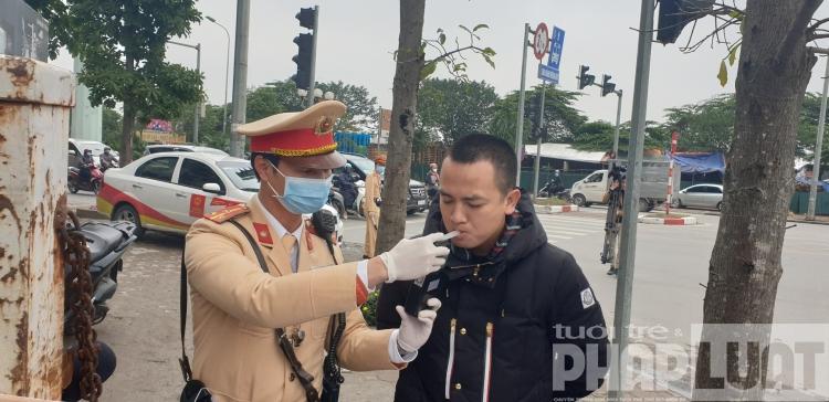 thoi nong do con khong lo lay nhiem virus corona