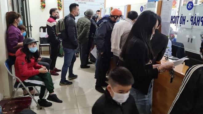 Sau khi có Thông báo số 58, hầu hết các phường đều có công dân đến xin giấy xác nhận cư trú, lịch trình để về quê ăn Tết