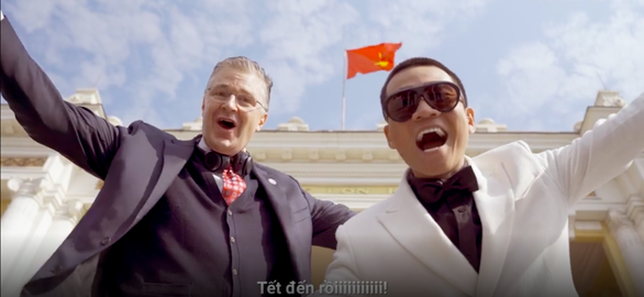 """Đại sứ Mỹ chúc Tết theo phong cách """"Rap Việt"""""""