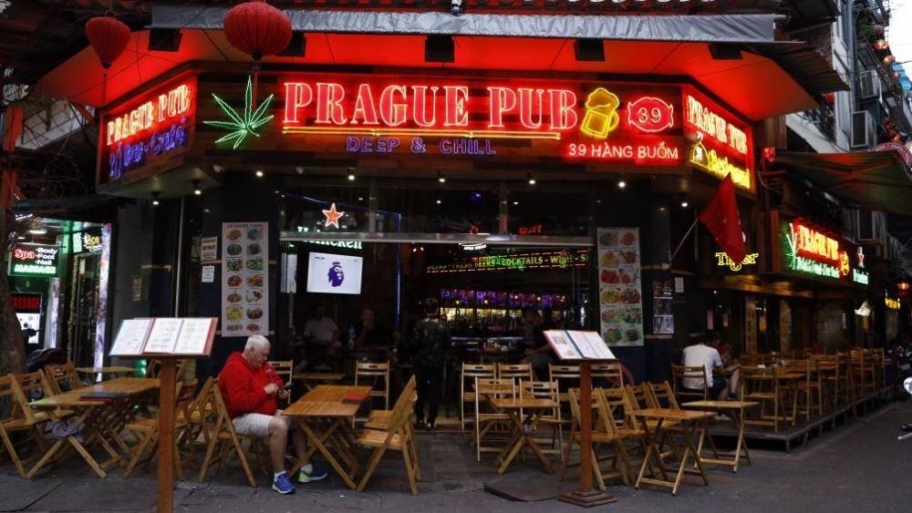 Hà Nội cho phép quán bar, karaoke, vũ trường được hoạt động trở lại