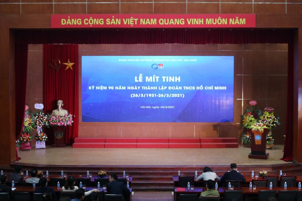 Lễ mít tinh kỷ niệm 90 năm thành lập Đoàn TNCS Hồ Chí Minh tại Đại học mỏ Địa chất