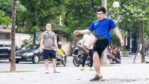 Vô tư chơi thể thao quanh khu Đại sứ quán Nhật Bản