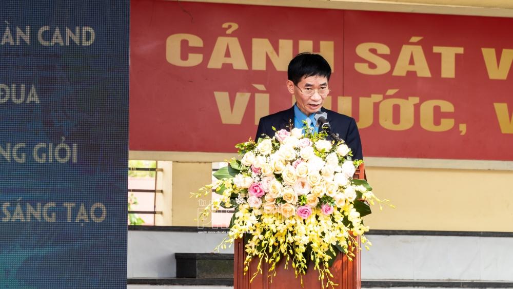 Đồng chí Trần Văn Thuật, Phó Chủ tịch Tổng Liên đoàn Lao động Việt Nam phát biểu chỉ đạo tại buổi lễ