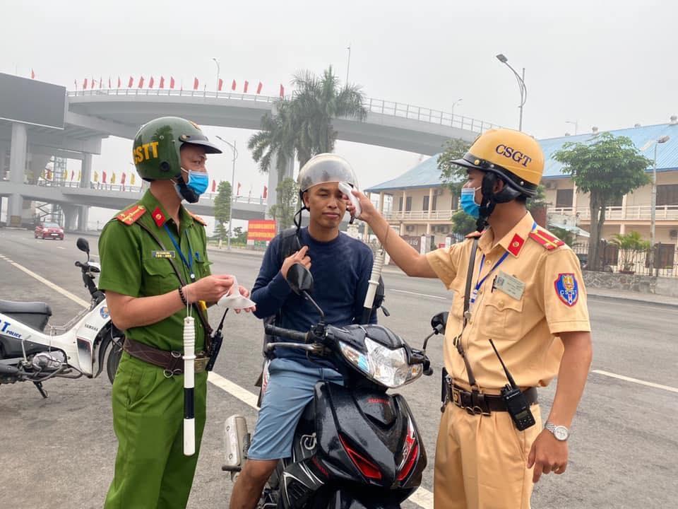 Thành phố giao lực lượng công an, UBND các quận huyện huy động lực lượng kiểm tra và xử lý các trường hợp vi phạm